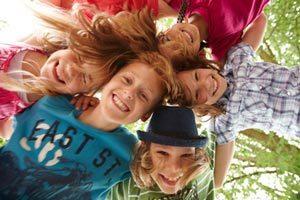 Jeux pour jouer en équipe en colonie de vacances ou classe verte