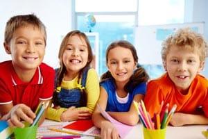 Jeux pour jouer à l'intérieur en colo, classe découverte, séjour enfants