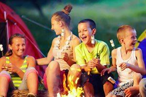 Jeux pour animer les soirées et veillées en colo, camp, voyage scolaire