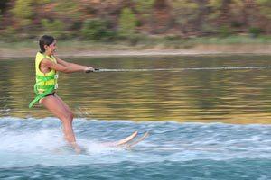 Encadrer des mineurs pour faire du ski nautique